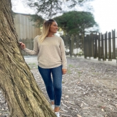 En tienda están siendo top ventas y no me extraña porque quedan ideales con jeans pitillo, slouchy, faldas … 🤎🤎🤎 ➡️Jersey aberturas beige SHOP ONLINE www.catalove.es  #nuevacolección #novedades #jersey #punto #beige #instalook #instaoutfit