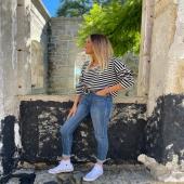 Vamos a por el SÁBADO con un look black&white 🖤🤍 con el Jersey Rayas Negro, jeans y el cinturón hebilla dorada negro!   #nuevacolección #newcollction #look #lookoftheday #rayas #blackandwhite