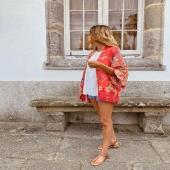 ❤️Kimono estampado floral rojo❤️ Perfecfo para combinar con shorts y blusa margarita! 🔝  👉🏻Desliza para ver más fotitos 📦Shop online www.catalove.es  #nuevacolección #novedad #kimono #flowers #rojo #look #lookoftheday #outfits