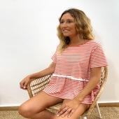 ME ENCANTA ❤️ Camiseta de rayas coral con detalle de puntilla y de nuestra marca favorita allo allo ❤️  👉🏻Disponible en talla SM y ML 📦Shop online www.catalove.es  #nuevacolección #camisetasbonitas #rayas #coral #puntilla #alloallo