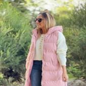 Muero de amor 💓 con el nuevo CHALECO ACOLCHADO ROSA que no puede ser más ideal!! Disponible en talla S,M,L y son unidades limitadas 💖  📦www.catalove.es📦  #nuevacolección #newcollection #look #lookoftheday #outfit #chaleco #rosa #pink #pinklover