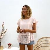 Para las #pinklovers como yo: necesitamos esta camiseta en nuestro armario 💖  📦Shop online www.catalove.es  #nuevacolección #camisetasbonitas #encaje #volantes #puntilla #pink #pinklover #lookoftheday