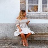 Estoy tan feliz que os haya encantando tanto como a nosotros! 🤎 el vestido perfecto 🤎 en color beige y tú cómo lo pondrías escote cuadrado o escote palabra de honor?  📦Shop online www.catalove.es  #nuevacolección #novedad #newcollection #vestidos #vestidoscalados #beige #look #lookoftheday #envíos