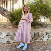 Que ganas tenía de enseñaros el nuevo Vestido Volantes rosa con un estampado geométrico súper ideal y un corte favorecedor 💓  SHOP ONLINE www.catalove.es  #nuevacolección #novedades #vestido #estampadoretro #vestidolargo #volantes #rosa #pinklover #shoponline